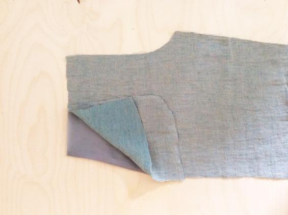 7) Stofftaschenbeutel rechts auf rechts gegen Futtertaschenbeutel stecken.