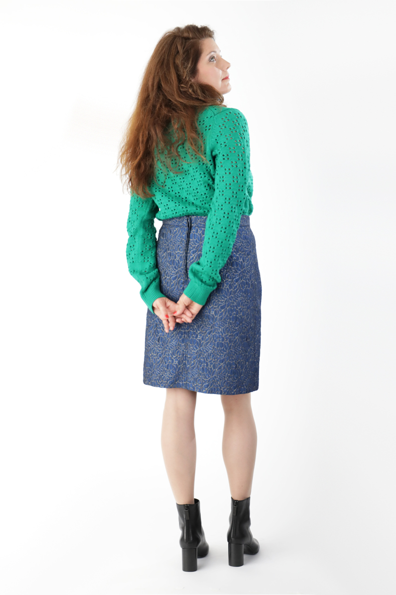 Free Sewing Pattern for a Skirt with or without Flounces