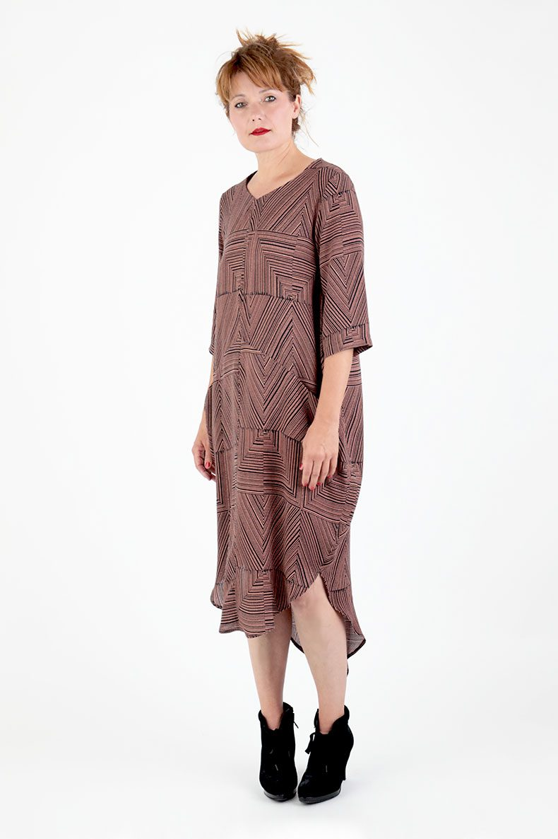 Sewing Pattern Cocoon Dress Trine - made with a beautiful fabric from Lotte Martens
